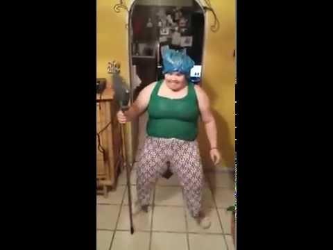 lady_dancing_with_broom_puerto_rico