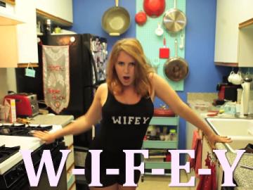 women_in_kitchen