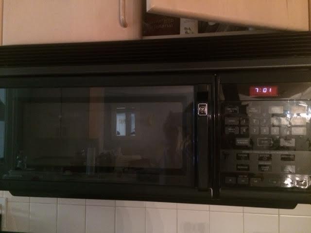 kitchen-microwave