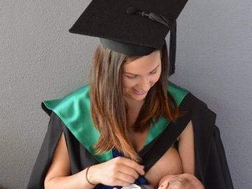 uni_student_breastfeeding