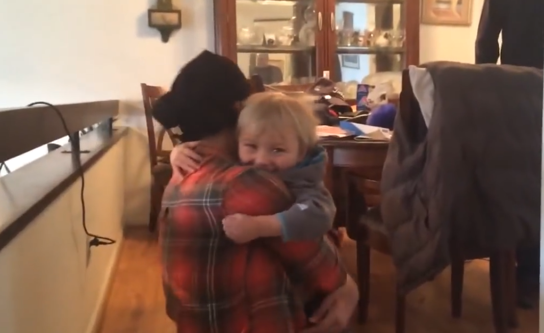 Mom_reunited_with_son_after_chemo