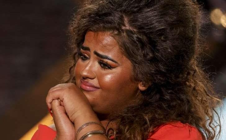 X-Factor singer Scarlett Unrecognisable without 'Orange' face